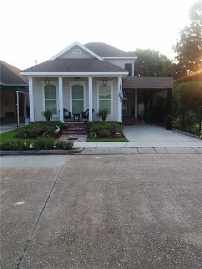 Gretna Single Family Home For Sale: 515 Lavoisier Street