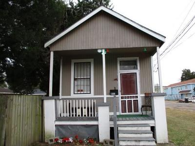 Single Family Home For Sale: 801 Lebeouf Street