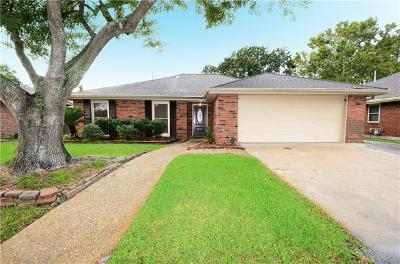 Kenner Single Family Home For Sale: 25 Normandy Drive