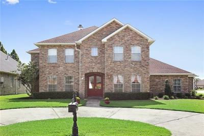 Harvey Single Family Home For Sale: 1 Squirewood Court