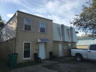 Jefferson Parish Multi Family Home For Sale: 520 Behrman Highway