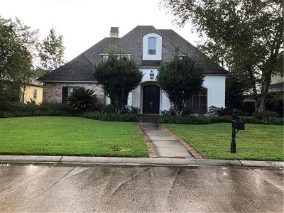 Single Family Home Pending Continue to Show: 27 Fairway Oaks Drive