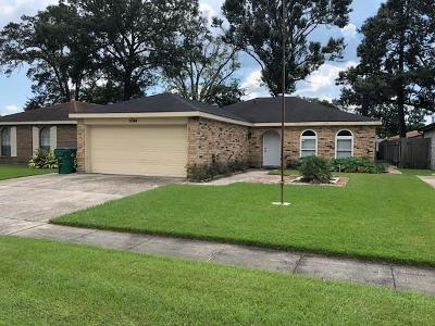 Marrero Single Family Home Pending Continue to Show: 5044 Towering Oaks Street