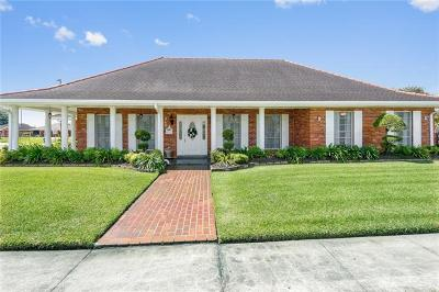 Harvey Single Family Home For Sale: 940 Maplewood Drive