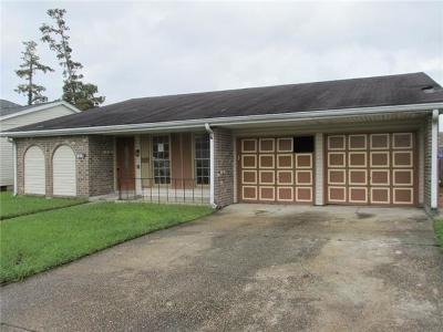 Harvey Single Family Home Pending Continue to Show: 3808 Chriswood Lane