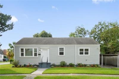 Jefferson Single Family Home For Sale: 12 Santa Ana Avenue