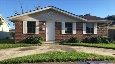 Kenner Single Family Home For Sale: 624 Saxony Lane
