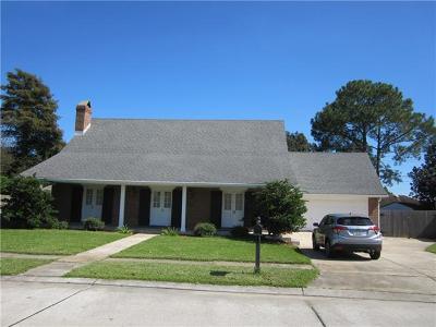 Gretna Single Family Home For Sale: 289 Firethorn Drive