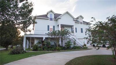 Mandeville Single Family Home For Sale: 107 Holly Drive