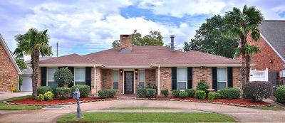 Kenner Single Family Home Pending Continue to Show: 4424 Lake Trail Drive