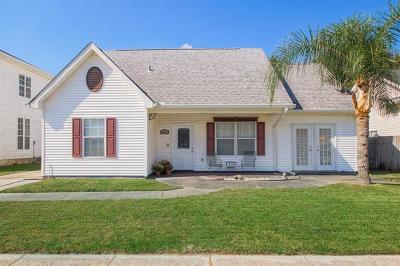 Single Family Home Pending Continue to Show: 2812 Sprig Drive