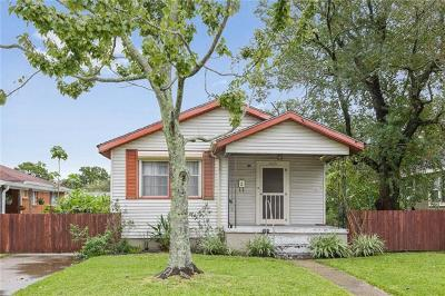 Metairie, Metarie, Metiairie, Metirie, Metrairie Single Family Home Pending Continue to Show: 425 Carnation Avenue