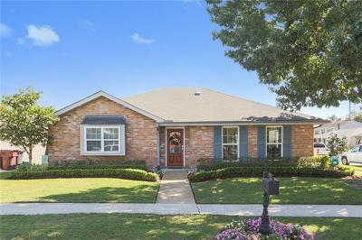 Kenner Single Family Home For Sale: 4 Cabernet Drive