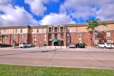 Metairie Multi Family Home For Sale: 3320 N Arnoult Road #108