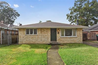 Metairie, Metarie, Metiairie, Metirie, Metrairie Single Family Home Pending Continue to Show: 502 Oaklawn Drive