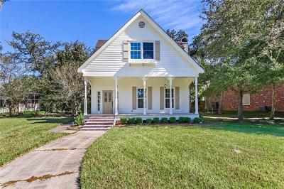 Single Family Home For Sale: 903 Beau Chene Drive