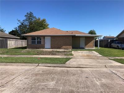 Single Family Home Pending Continue to Show: 1249 Martin Drive