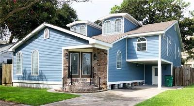Jefferson Single Family Home For Sale: 242 Coolidge Street