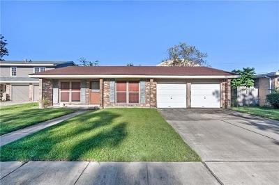 Gretna Single Family Home For Sale: 209 Brookmeade Drive