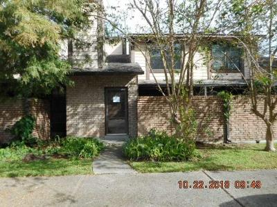Jefferson Parish Condo For Sale: 700 Fairfax Drive #125