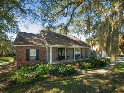 Slidell Single Family Home Pending Continue to Show: 101 Mary Ellen Drive