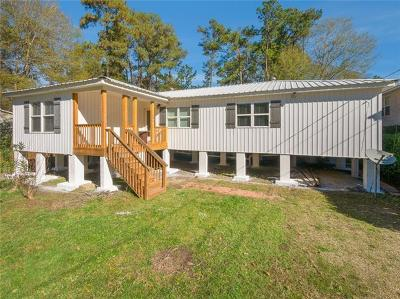 Covington Single Family Home For Sale: 18041 Derbes Drive
