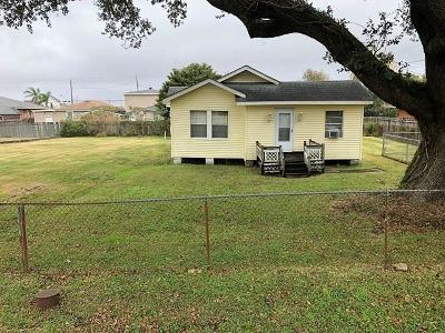Single Family Home For Sale: 2630 Behrman Highway