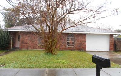 Kenner Single Family Home For Sale: 3241 Illinois Avenue