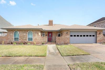 Kenner Single Family Home For Sale: 4304 Lake Trail Drive