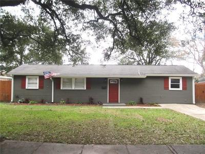 Single Family Home For Sale: 211 Berkley Drive