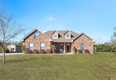 Covington Single Family Home For Sale: 15153 Arleen Normand Drive