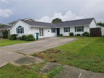 Single Family Home For Sale: 737 Mercedes Place