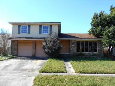 Gretna Single Family Home For Sale: 828 Lawrence Street