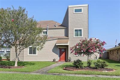 River Ridge, Harahan Single Family Home For Sale: 300 Lassalle Drive