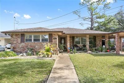 Single Family Home For Sale: 4557 Camelot Drive