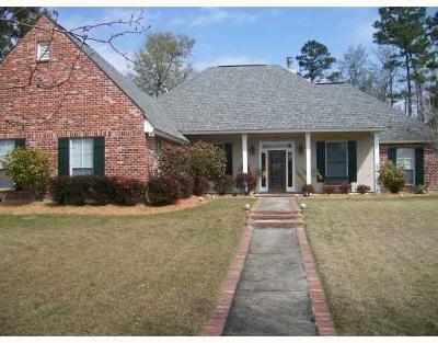 Covington Single Family Home For Sale: 812 River Oaks Drive