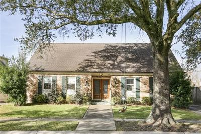 Single Family Home For Sale: 127 Country Club Drive