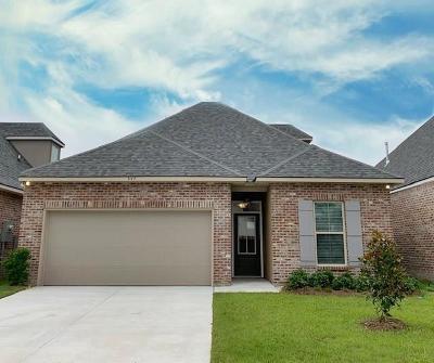Covington Single Family Home For Sale: 557 Eagle Loop