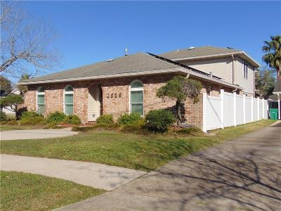 Single Family Home For Sale: 4529 Lakewood Drive