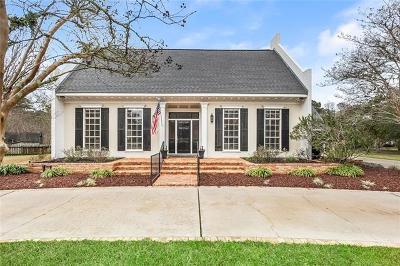 Covington Single Family Home For Sale: 2 Laurelwood Drive