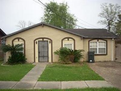 Single Family Home For Sale: 7537 Devine Avenue