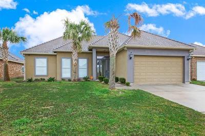 Slidell Single Family Home For Sale: 793 Lakeshore Village Drive