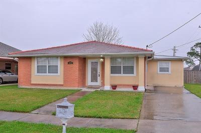 Single Family Home For Sale: 4901 Robin Hood Drive
