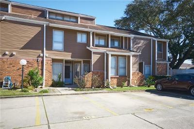 Kenner Multi Family Home For Sale: 165 Avant Garde Circle #165