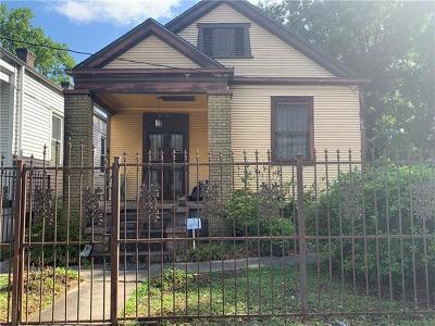 New Orleans Single Family Home For Sale: 8321 Hickory Street