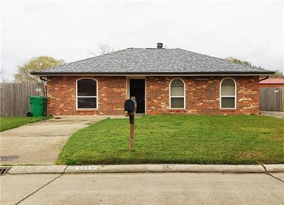 Single Family Home Pending: 565 Greenwood Drive