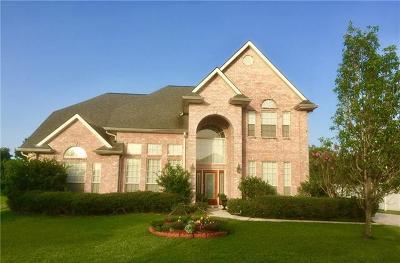 Harvey Single Family Home For Sale: 65 Natchez Trace Drive