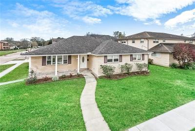 Single Family Home For Sale: 962 Robert E Lee Boulevard