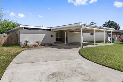 Single Family Home For Sale: 657 E Marlin Court