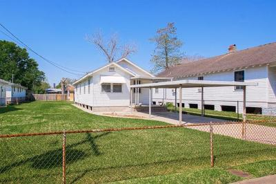 Single Family Home For Sale: 819 Hancock Street